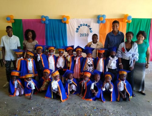 Pre-schoolers in Mozambique still have their graduation